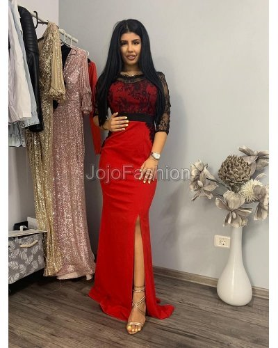 Rochie lunga rosie cu dantela neagra pe bust si maneci Sellina