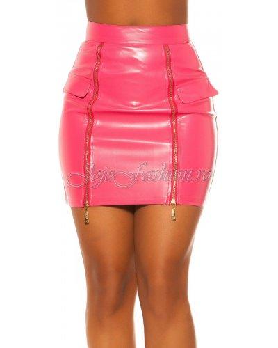 Fusta scurta imitatie piele roz Koucla Lindsay