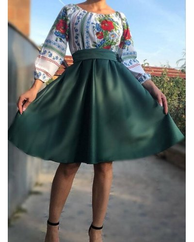 Rochie traditionala cu tafta verde Lya