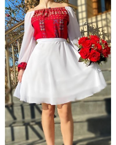 Rochie traditionala scurta cu voal alb si vascoza rosie Adda