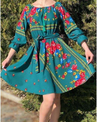 Rochie traditionala gypsy scurta verde cu flori rosii Gitana
